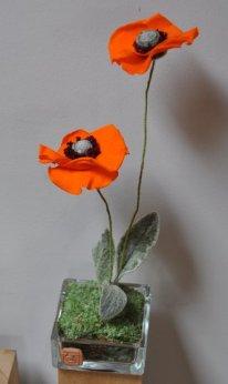 fleurs de pavots crée en végétaux stabilisés. pièce unique d'artisanat d'art