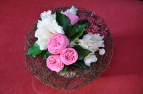 Roses de jardin et hortensia