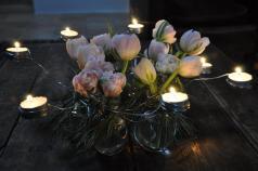 Une couronne de table pour une ambiance chaleureuse.