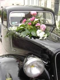 Fleurs pour voiture de mariage