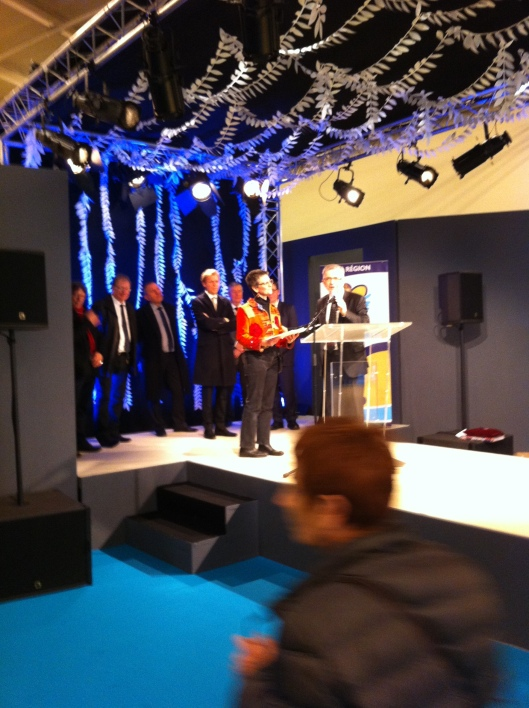 salon des metiers d art 2016 remise de prix par Francois Bonneau, président du Conseil Regionall